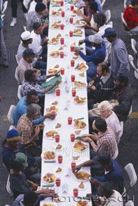 natale-cena-los-angeles-missione-senzatetto.jpg
